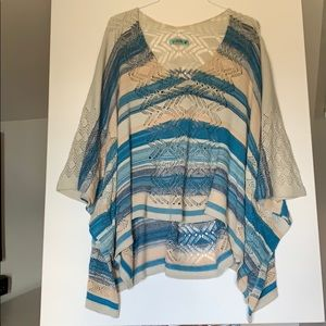 Goddis Sweater Poncho